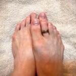 足の爪に混入する靴下のゴミが非常に気になる